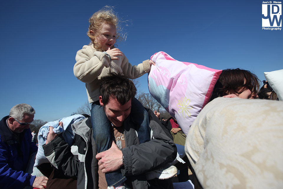 100228_JDW_PillowFight_0242