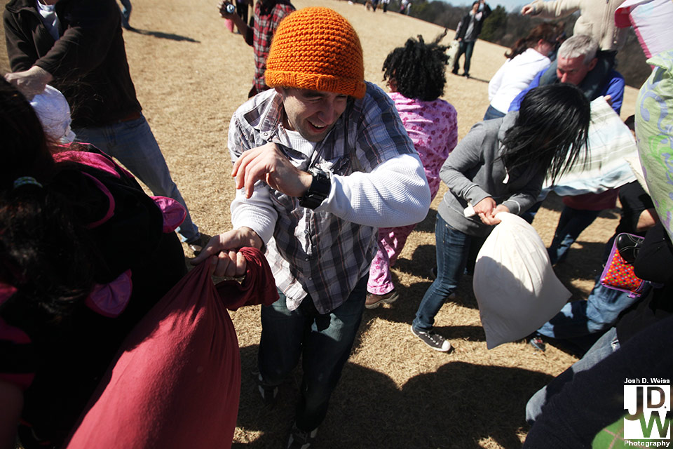 100228_JDW_PillowFight_0363