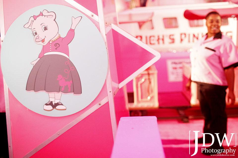 101030_JDW_PinkPig_0402