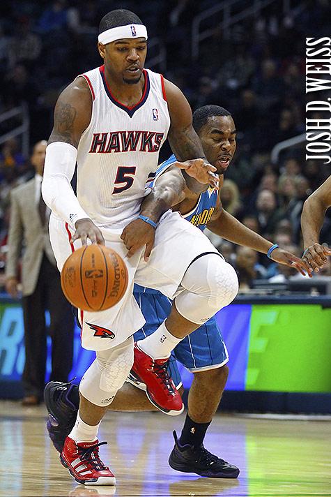 110121_JDW_Hornets-Hawks_0323